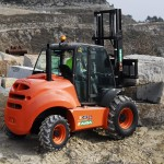 AUSA_Carretilla_4000kg_5000kg_4x4_C500H_elevacion_piedra_cantera1
