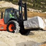 AUSA_Carretilla_4000kg_5000kg_4x4_C500H_elevacion_piedra_rampa_cantera1