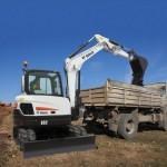 E62-Bucket-Truckloading-001_130325