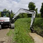 E85-Bucket-Grading-Landscaping-DSC_0457-130605